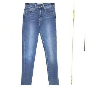 NWOT Levi's High Waisted Skinny Jeans sz 26